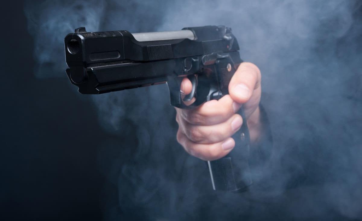 جريمة في غزة.. مقتل شاب وإصابة شقيقه على يد والدهما