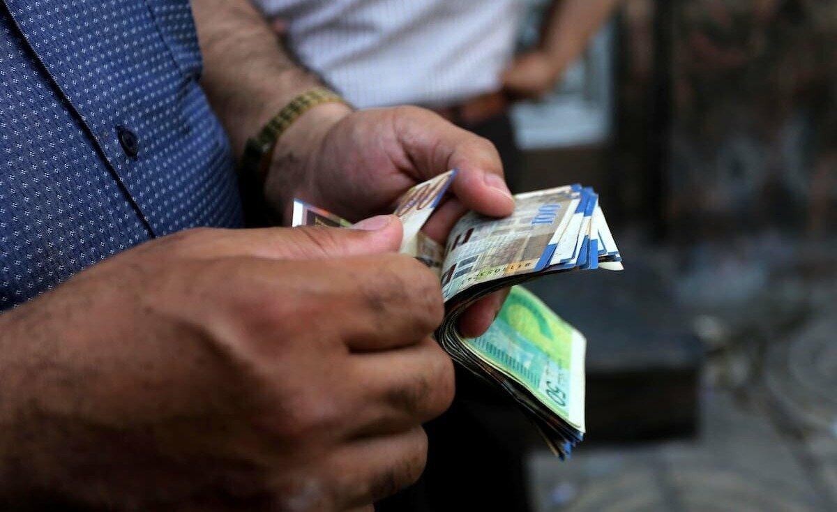منذ نصف عام.. الدولار في أدنى مستوياته أمام الشيقل