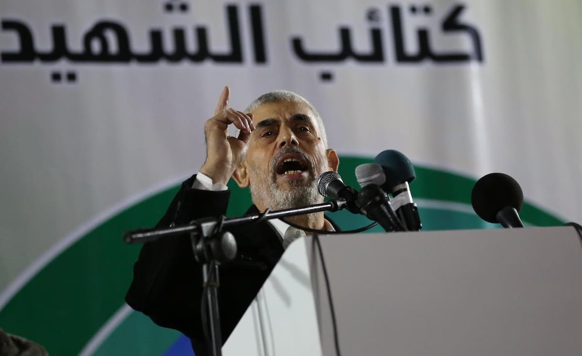 السنوار: إذا فرضت علينا الحرب فسيخلي الاحتلال تل أبيب