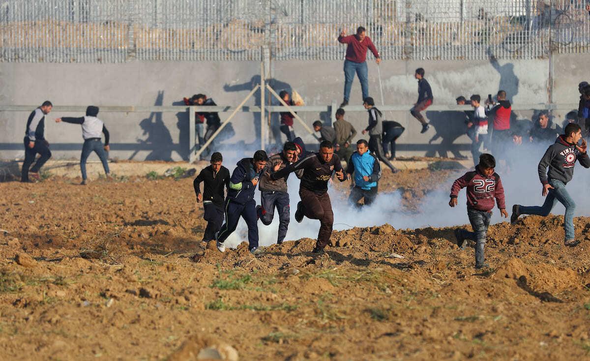 شهيدان وعشرات الإصابات برصاص الاحتلال على حدود غزة