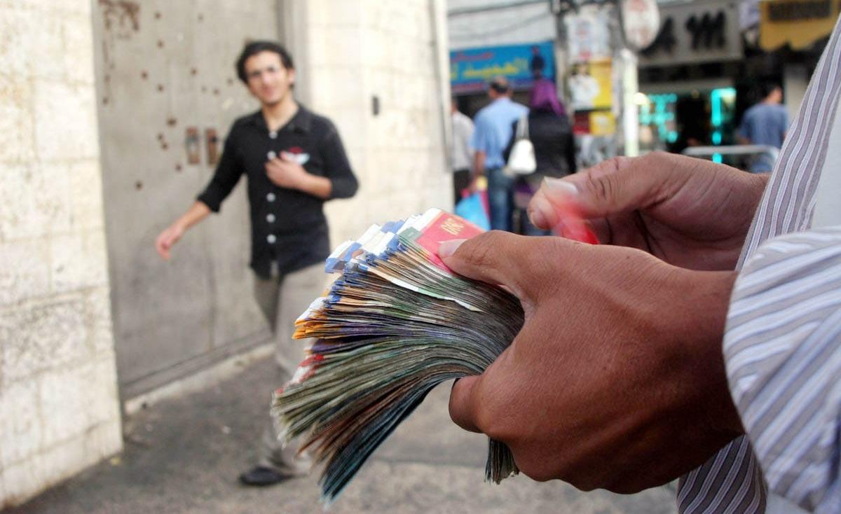 الدولار عند أدنى مستوى أمام الشيقل منذ 6 شهور