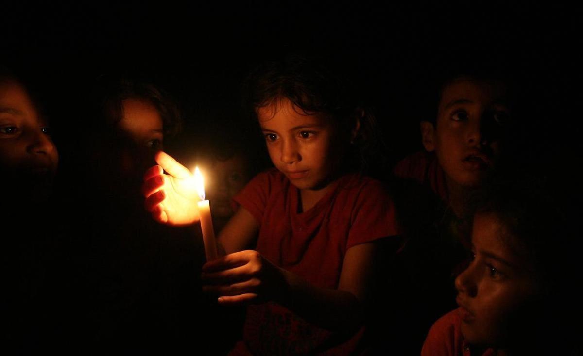 كهرباء غزة تكشف حقيقة عودة جدول 6 فصل مقابل 12 وصل