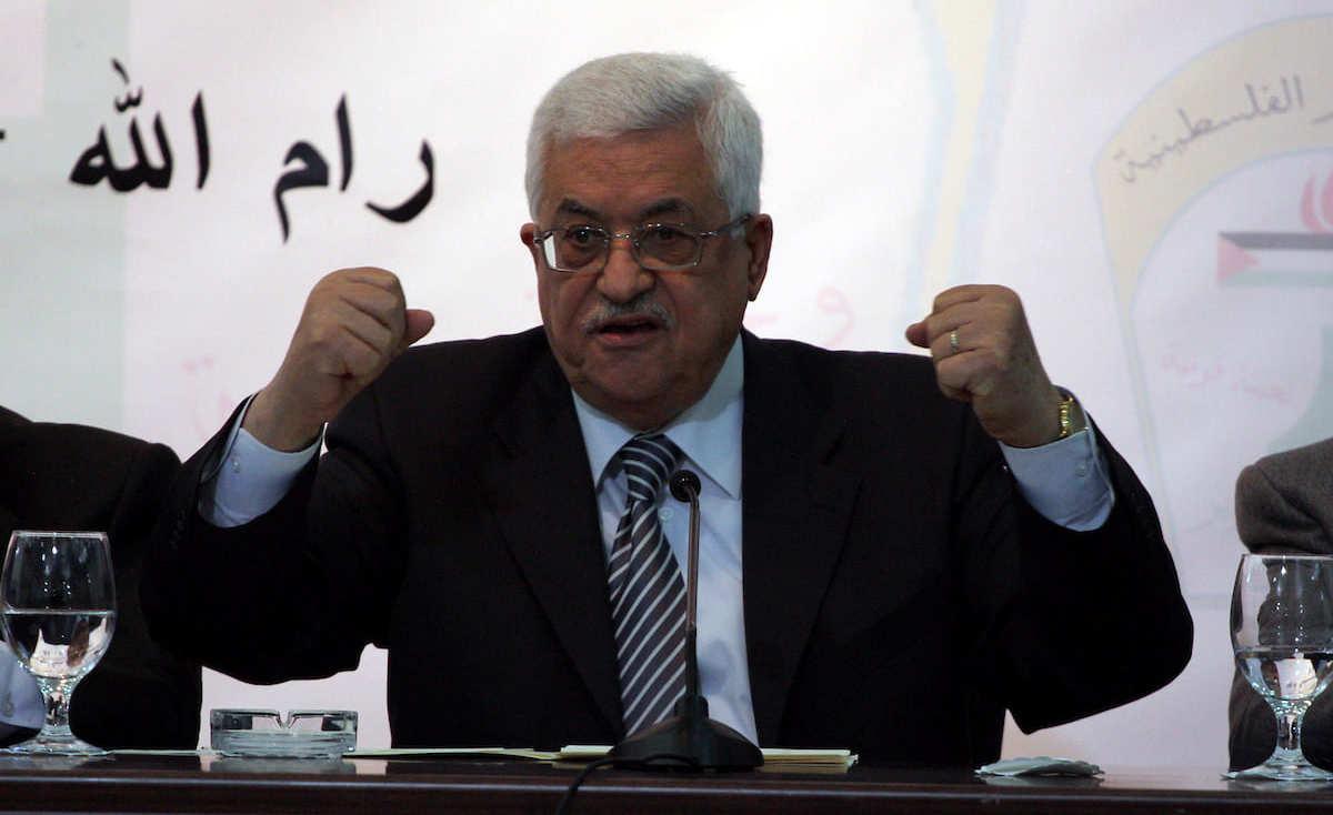 الرئيس عباس: قد نضطر الى دفع 40% من رواتب الموظفين