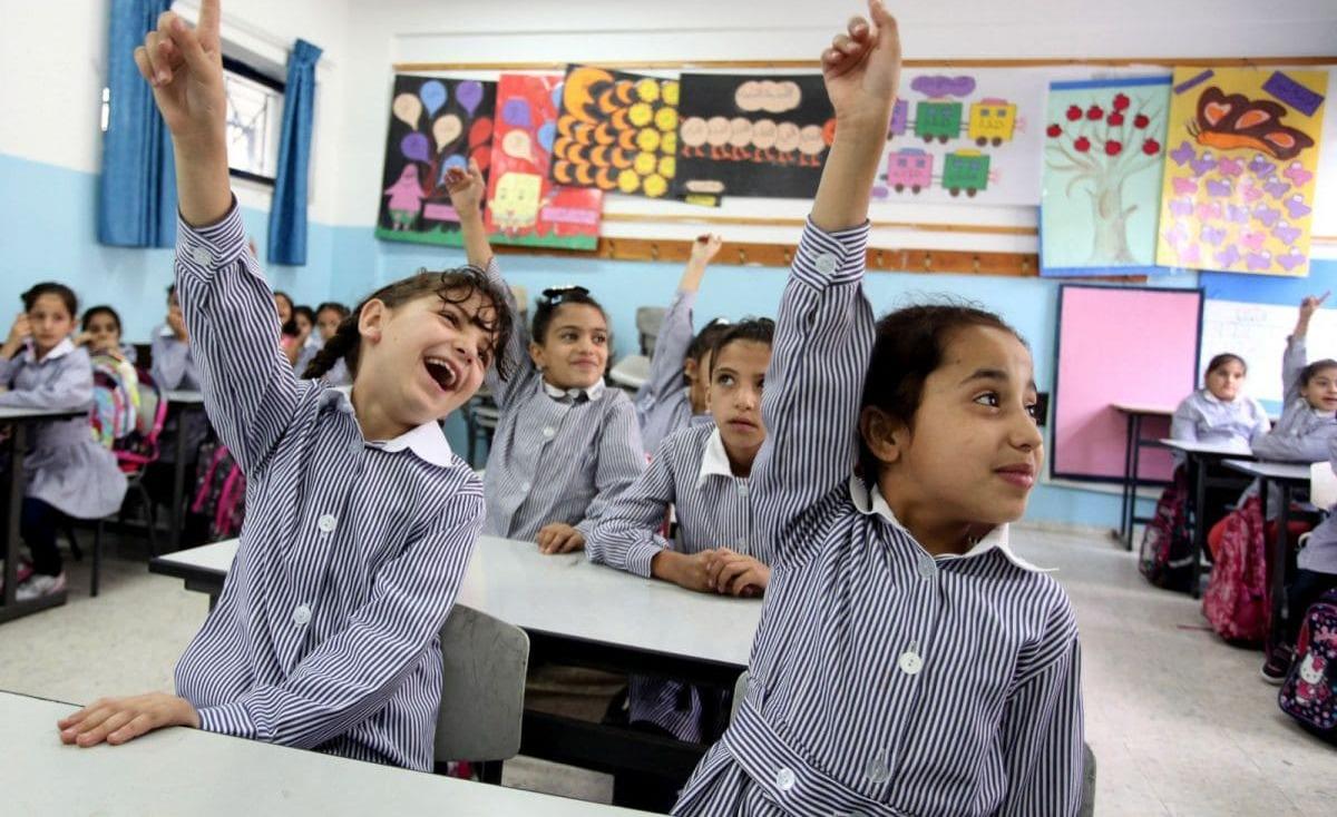 بالأسماء: الأونروا تعلن توظيف 374 معلمًا من غزة