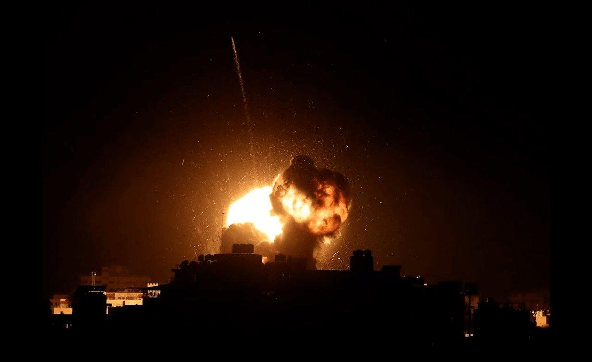 بعد هروب نتنياهو.. الاحتلال يشن غارات على غزة