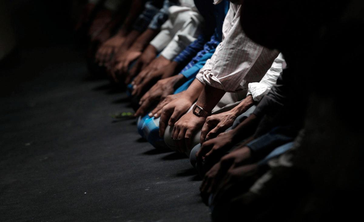 غزة: وفاة مواطن أثناء صلاة الجمعة في المسجد