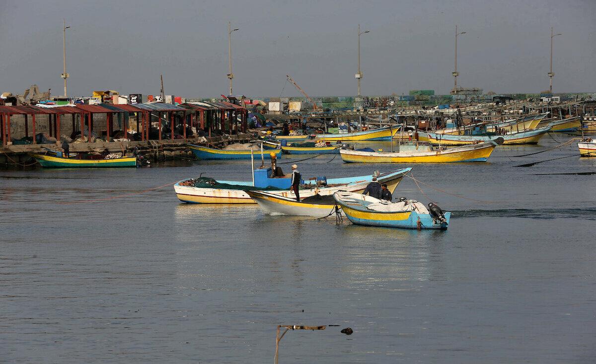 مصر تطلق سراح 4 صيادين فلسطينيين من غزة