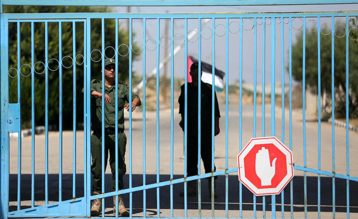 إغلاق معابر الضفة وغزة الثلاثاء المقبل