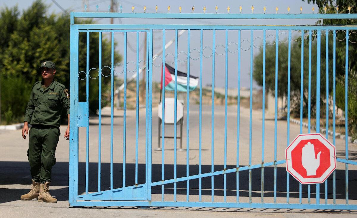 نائب ميلادينوف يصل غزة تمهيدا لزيارته