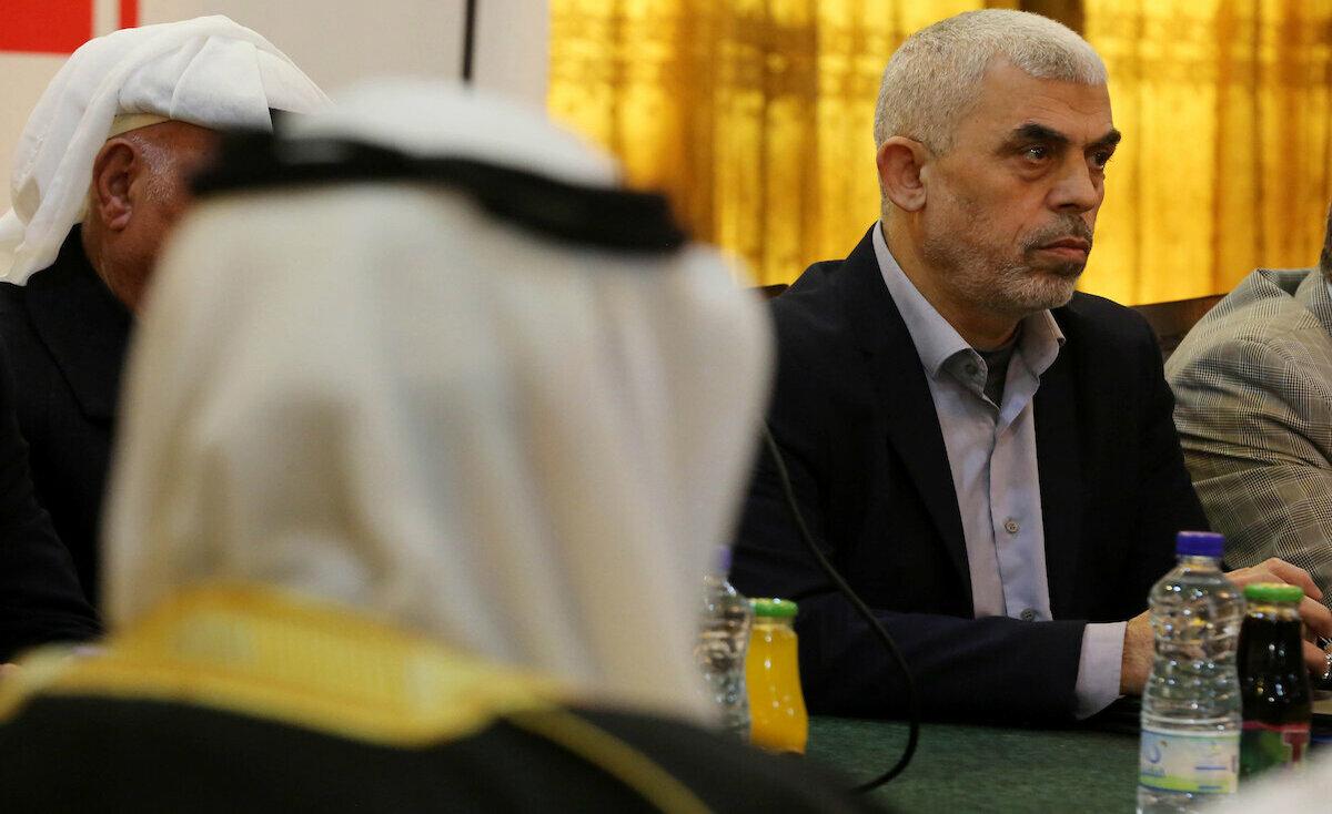 غزة: مكتب السنوار يوضح حقيقة تشكيل حماس لجنة ادارية