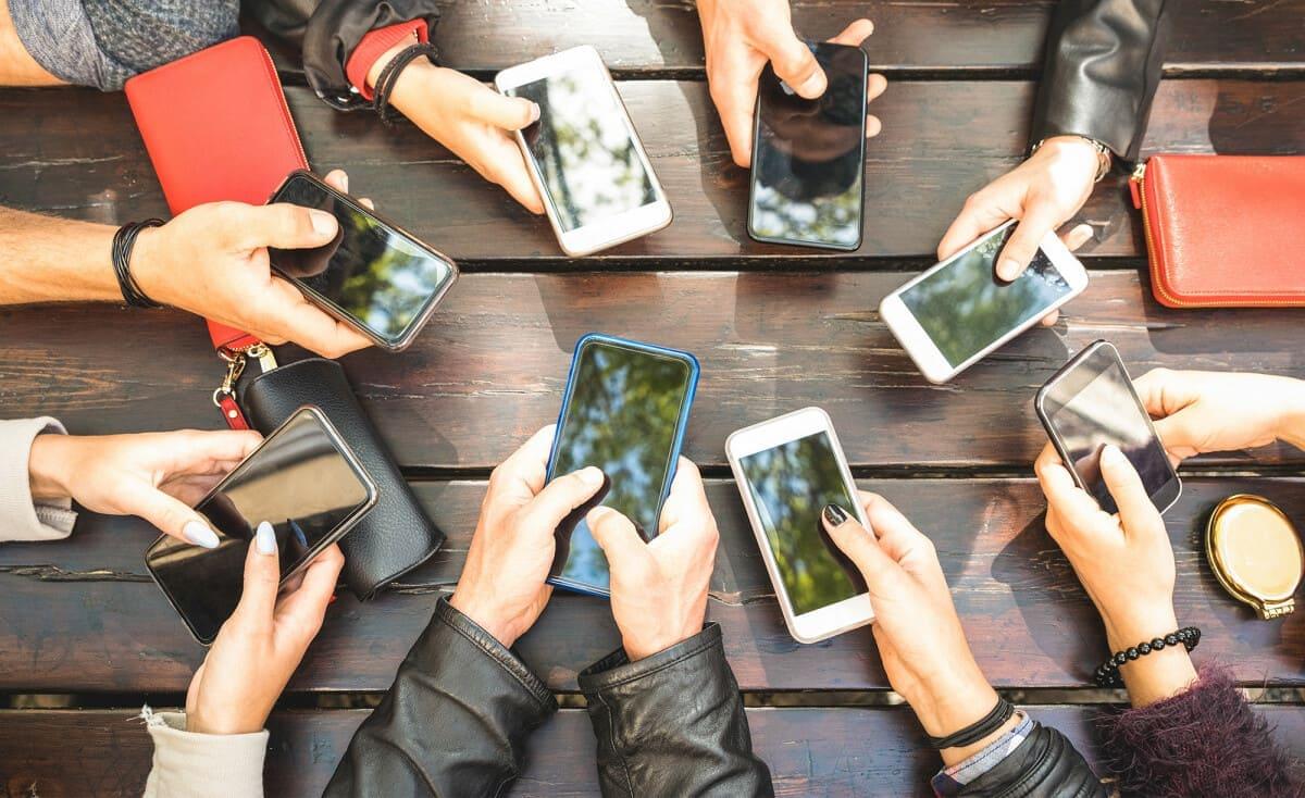 وصفة سهلة تخلصك من إدمان الهواتف الذكية على الإطلاق