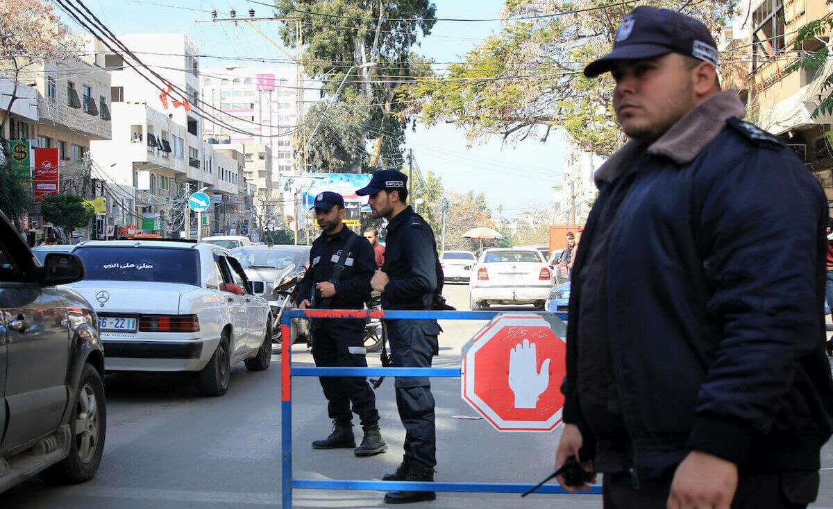 الشرطة: إصابة مواطنة جراء سقوطها من علو شرق غزة