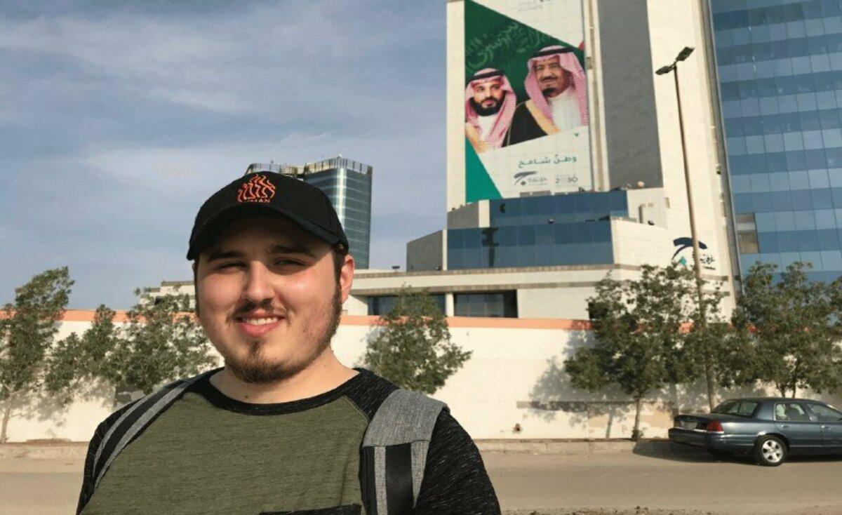 شاهد: صحفي إسرائيلي يتجول في السعودية
