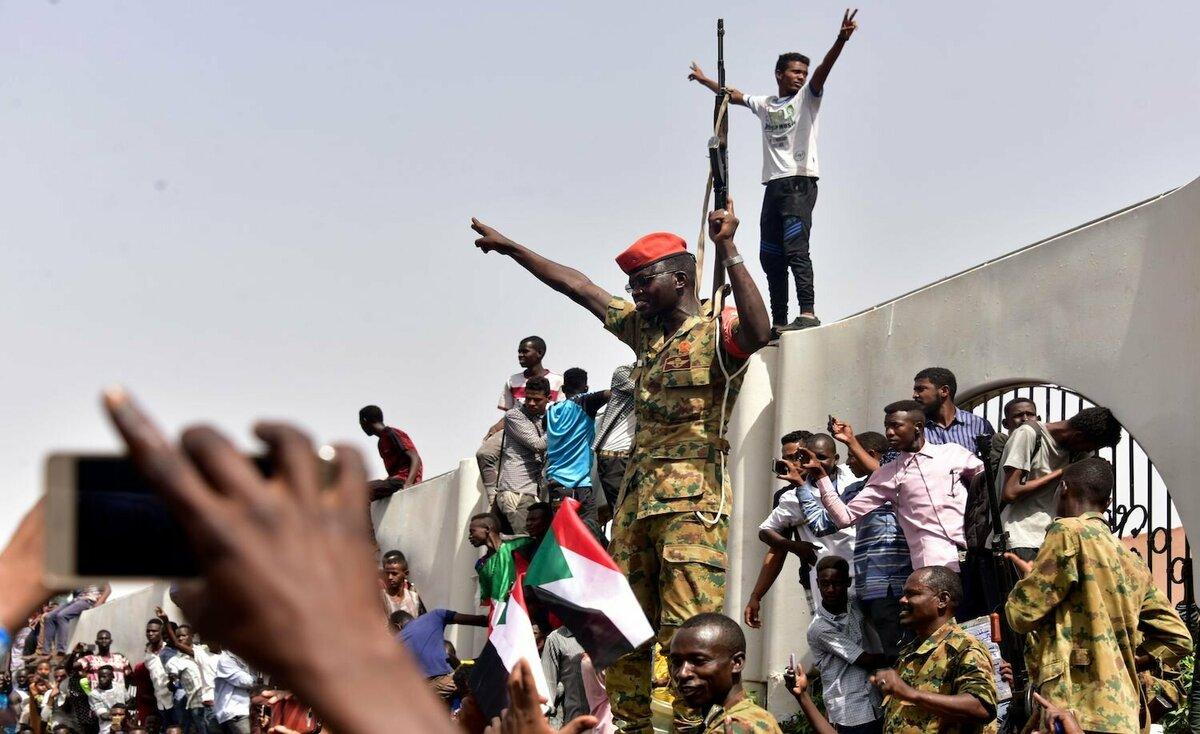 استقالة مدير المخابرات السودانية صلاح قوش