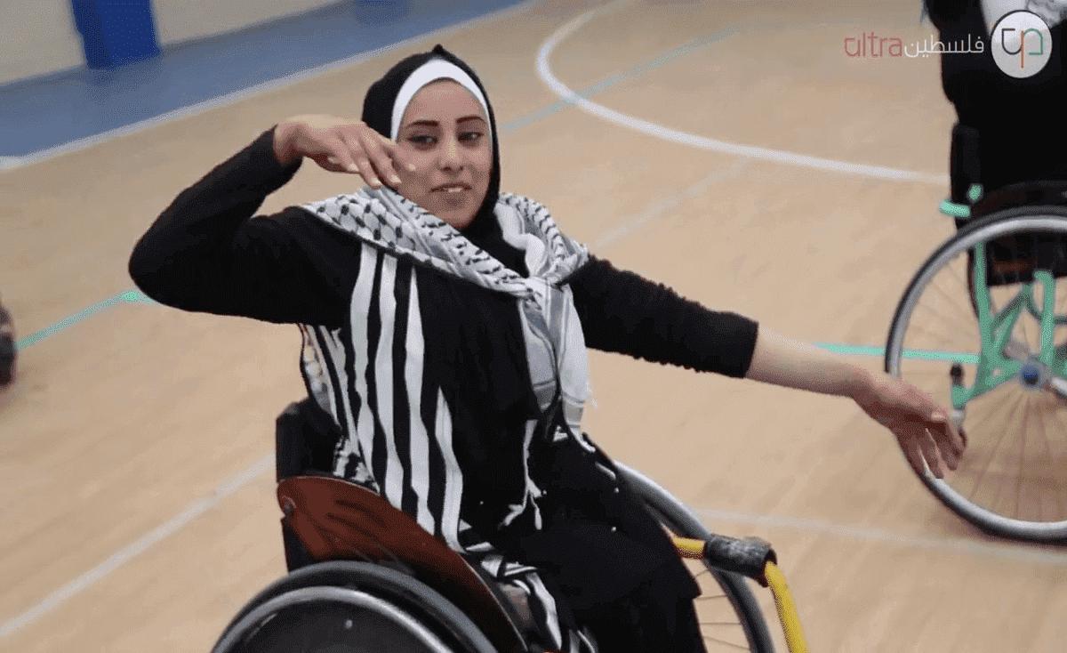 دبكة على كراسي متحركة في غزة (فيديو)