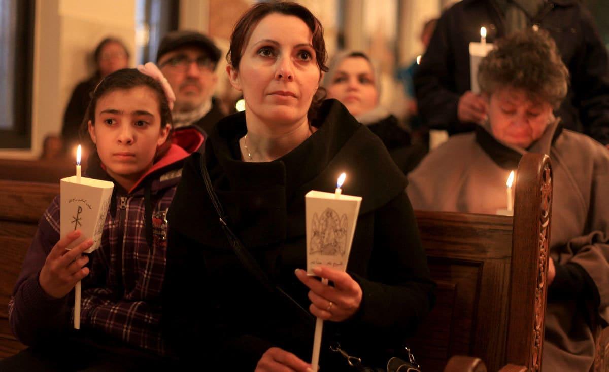 """في """"سبت النور"""" بغزة.. أماني برفع الحصار وزيارة القدس"""