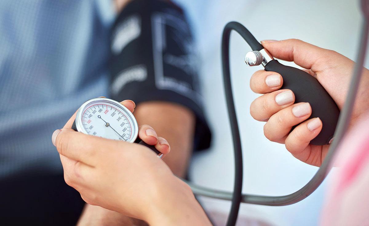 المعدل الطبيعي حسب العمر.. كل ما تريد معرفته عن ضغط الدم الطبيعي