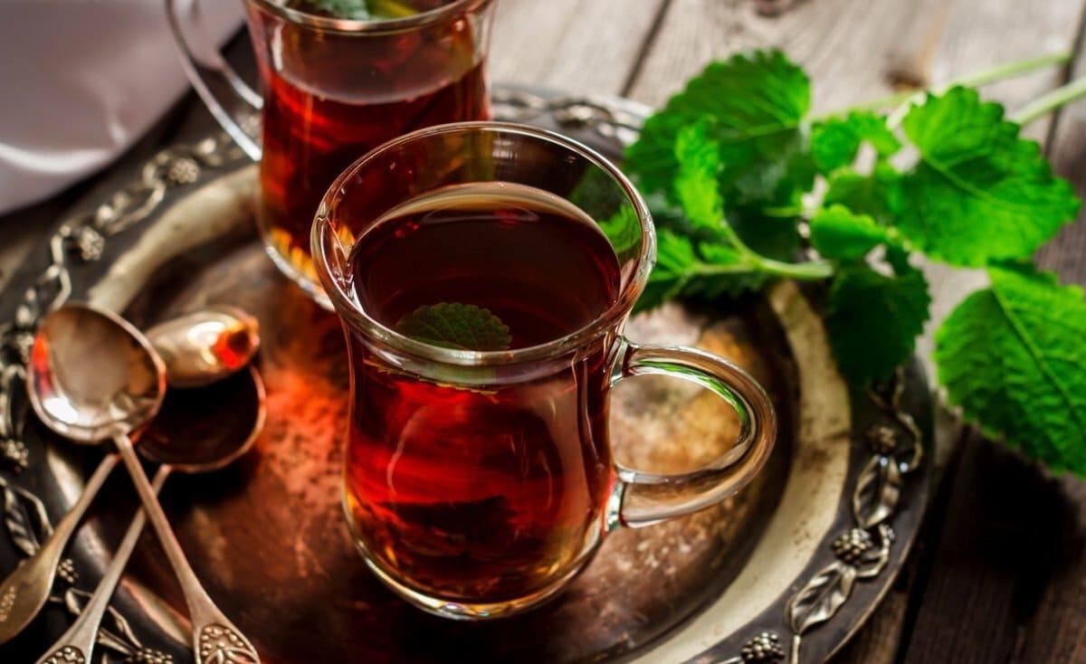 مفاهيم مغلوطة عن الشاي الساخن لم تكن تعرفها