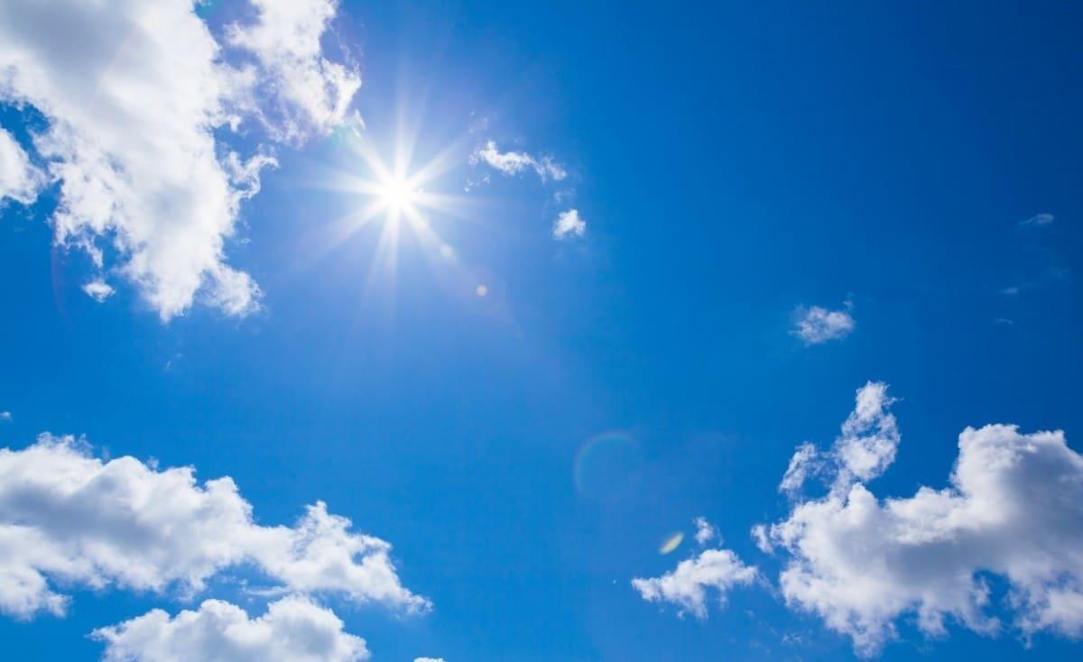 طقس اليوم: أجواء غائمة وارتفاع درجات الحرارة