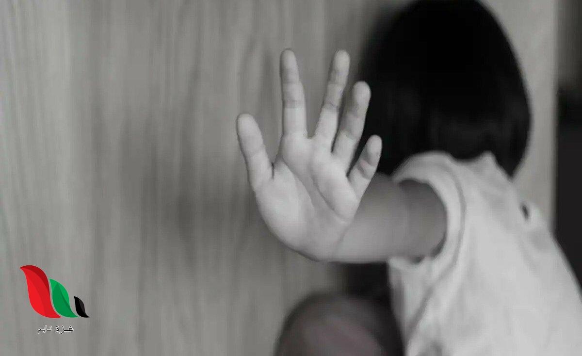 شاهد: فيديو المدرس المتحرش بطفلة يثير غضب المصريين