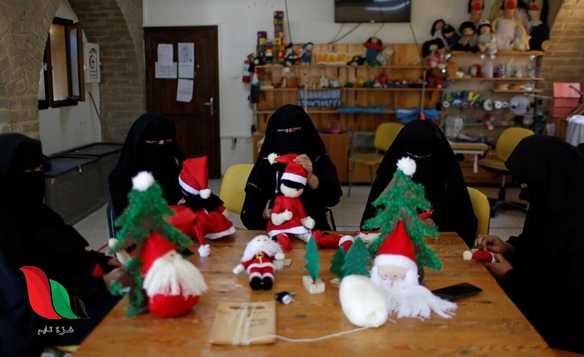 مبادرة شبابية لتوزيع هدايا عيد الميلاد بغزة