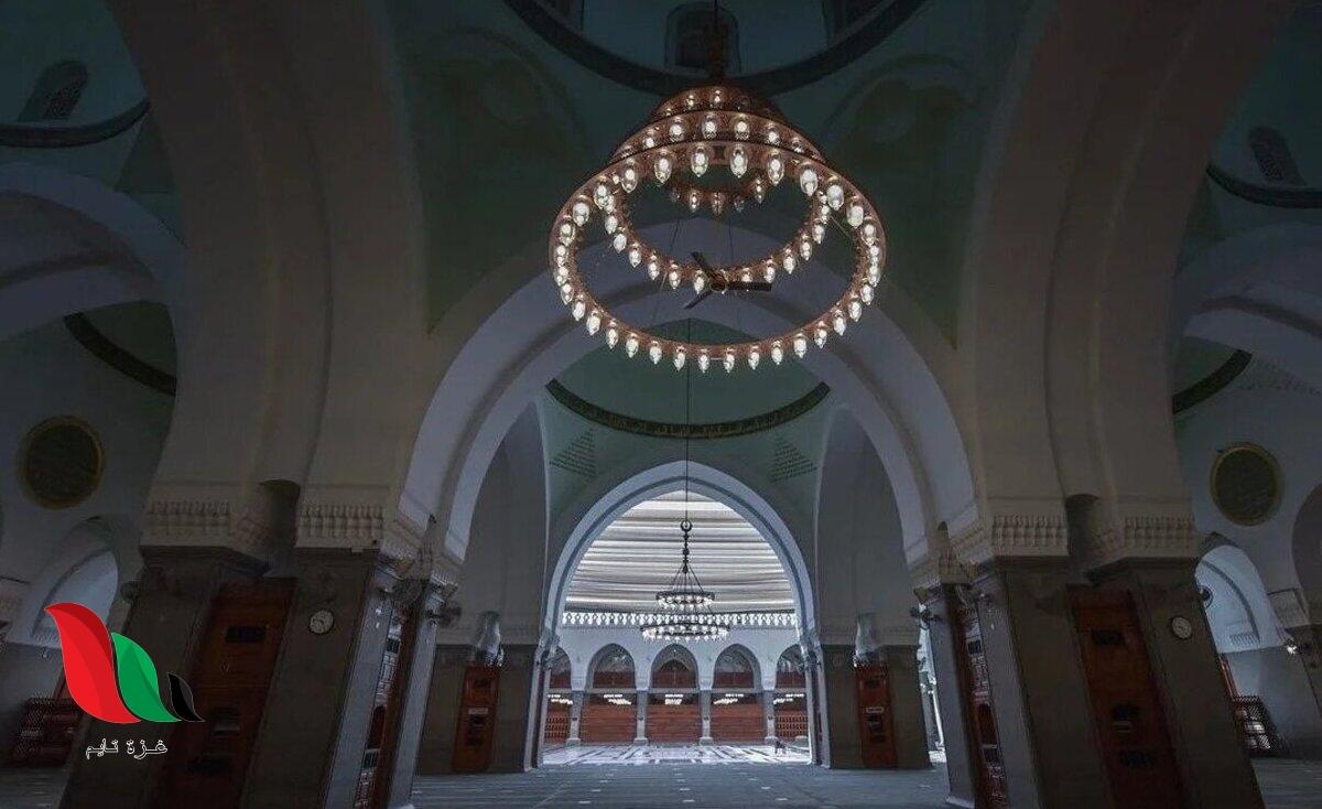 أول مسجد في الإسلام يقع جنوب المدينة المنورة ويستوعب ما يقارب 20 ألف مصلي
