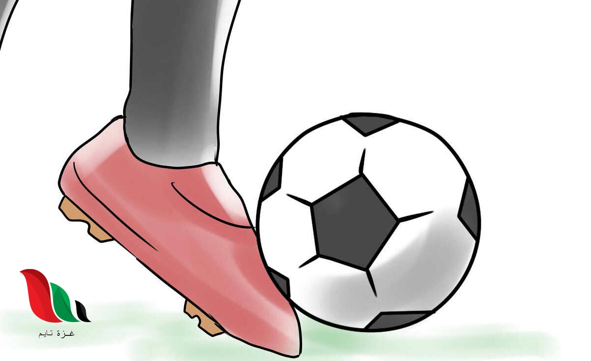 تغير سرعة الكرة عند ركلها يسمى
