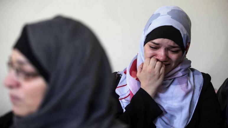 """والدة الشهيد الربعي من غزة: """"أخذوا مني صديقي"""""""