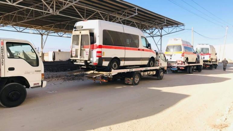 سيارات إسعاف ومركبات لذوي الاحتياجات الخاصة تصل غزة