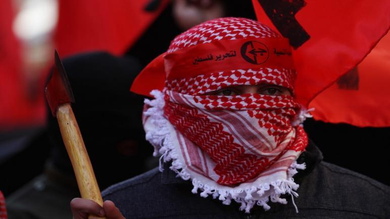 """""""الجبهة الشعبية"""" تعلن إسقاط """"طائرة تجسس"""" إسرائيلية في غزة"""
