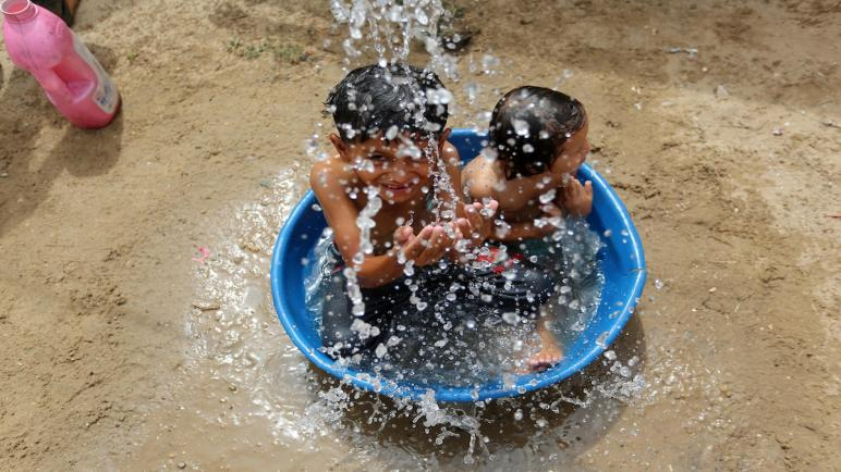 طقس فلسطين: جو حار وتغير طفيف في درجة الحرارة