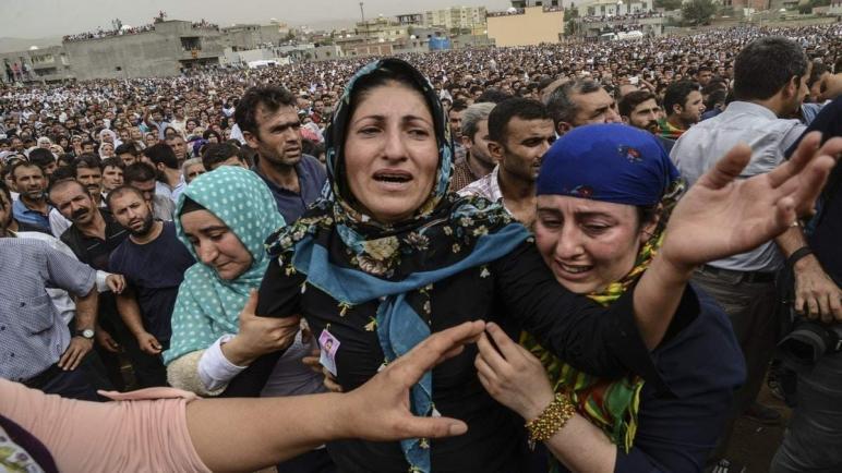 100 ألف سوري يفرون من المنازل مع استمرار هجوم تركيا