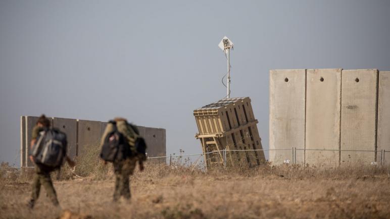 """خشية صواريخ غزة.. الاحتلال يعزز منظومة """"القبة الحديدية"""""""
