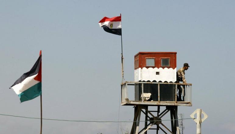 الأمن بغزة يشدد إجراءاته على الحدود المصرية